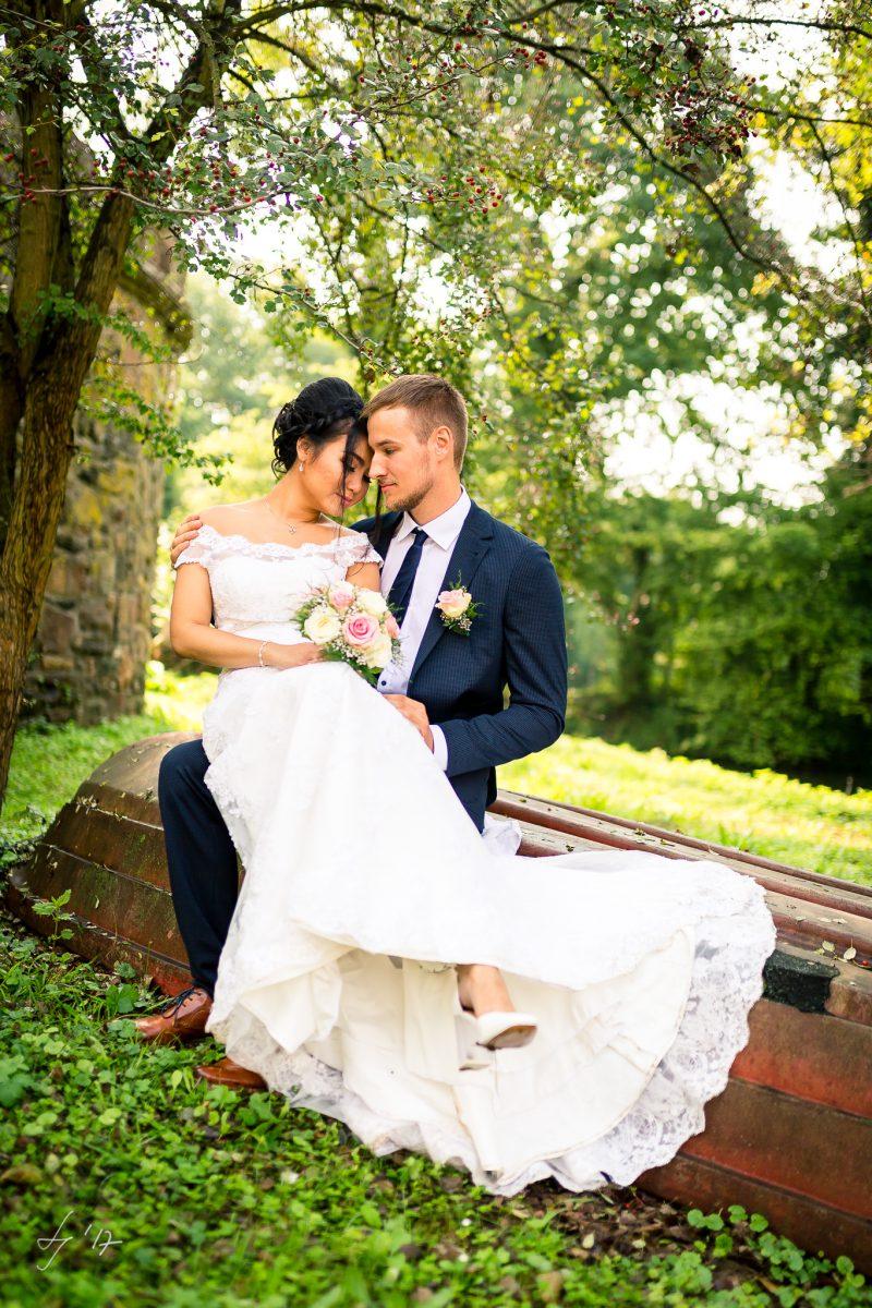 Paarshooting-Burgau-Fotograf-Dueren-Hochzeitsreportage-Düren